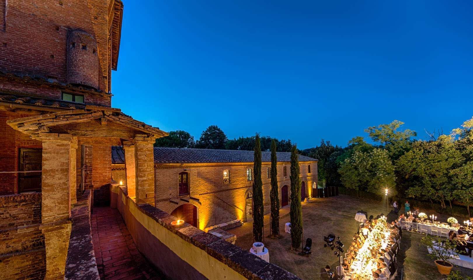 castello di san fabiano charming and romantic country chic venue for weddings and events near siena, location for wedding with large outdoor and indoor spaces and gardens