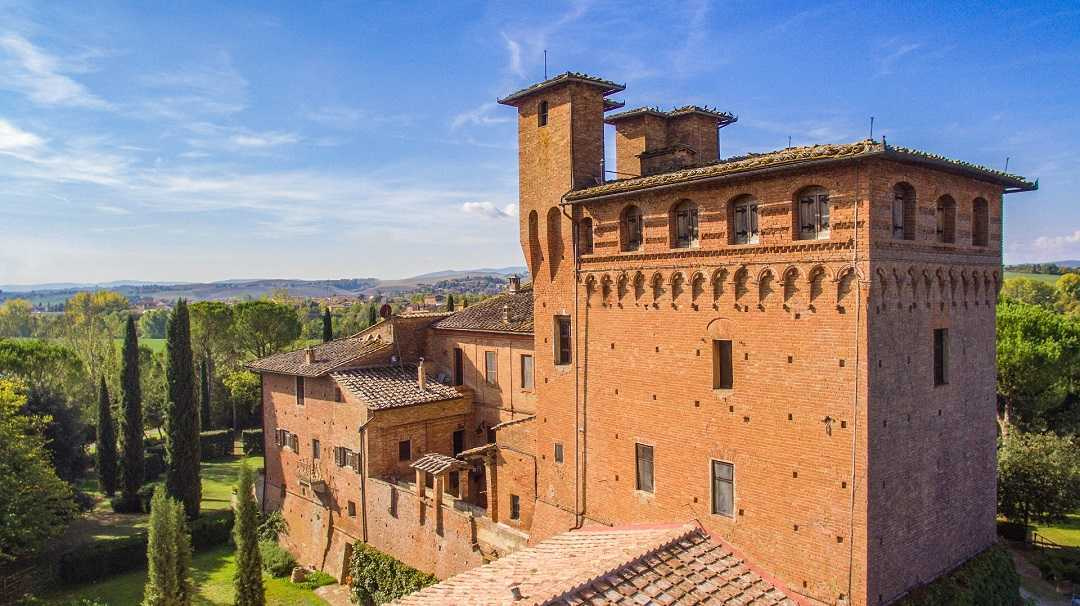 Charming BnB in a Castle near Siena, Tuscany